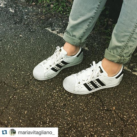 scarpe adidas superstar con borchie
